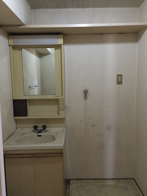 洗面脱衣室 | 工事前 オリジナルスタイルの お風呂 の FRCHIS,WORKS オリジナル