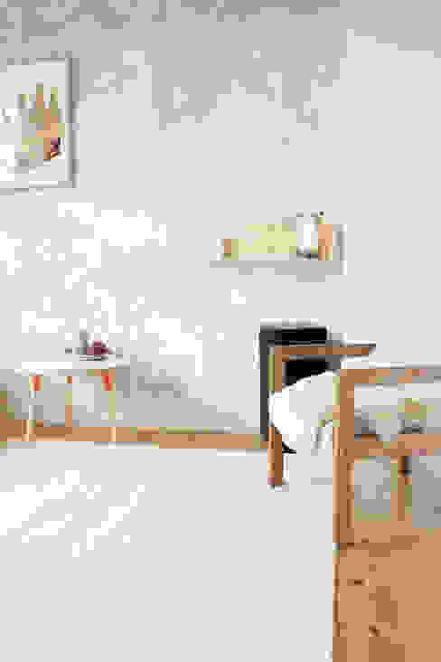 Appartement in Groningen Moderne woonkamers van Studio Martijn Westphal Modern Hout Hout