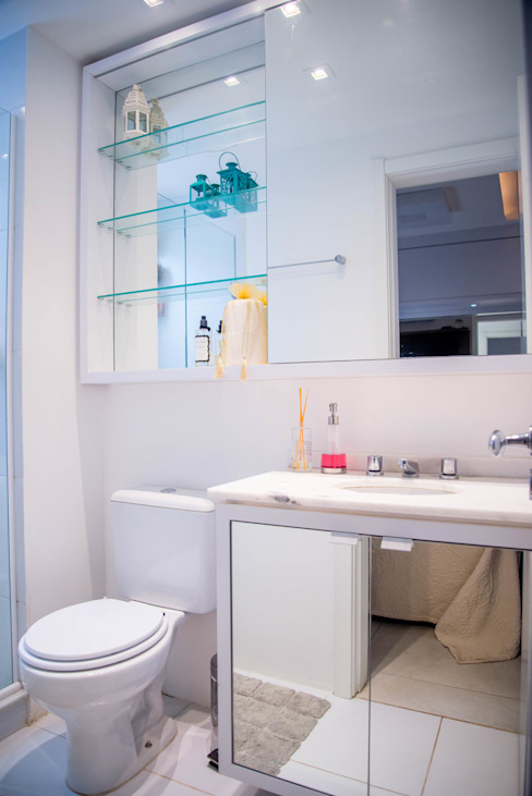 AIRE Arquitetura Interiores e Retail Kamar Mandi Gaya Eklektik MDF White
