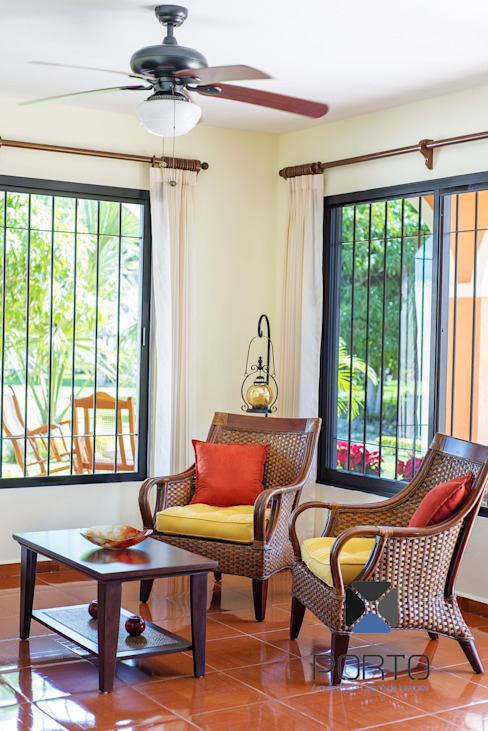 Ruang Keluarga oleh PORTO Arquitectura + Diseño de Interiores, Kolonial