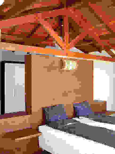 Livings de estilo moderno de bp arquitetura Moderno