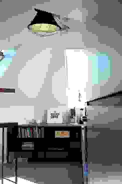 Mieszkanie w Katowicach: styl , w kategorii Kuchnia zaprojektowany przez PUCHER,Nowoczesny