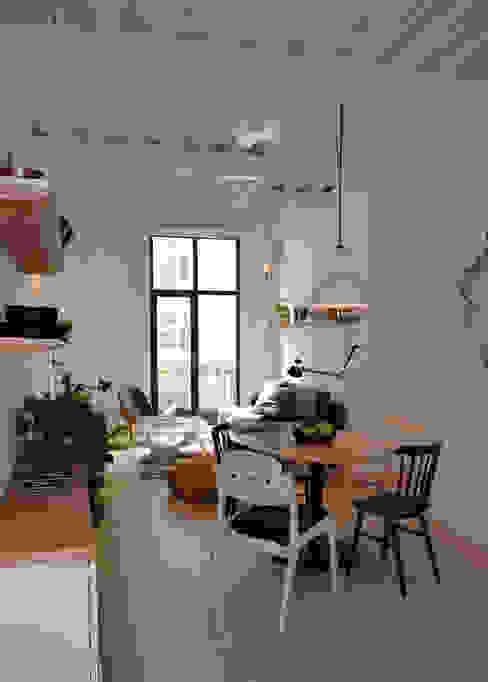 Donceles 18: Salas de estilo  por Germán Velasco Arquitectos , Moderno