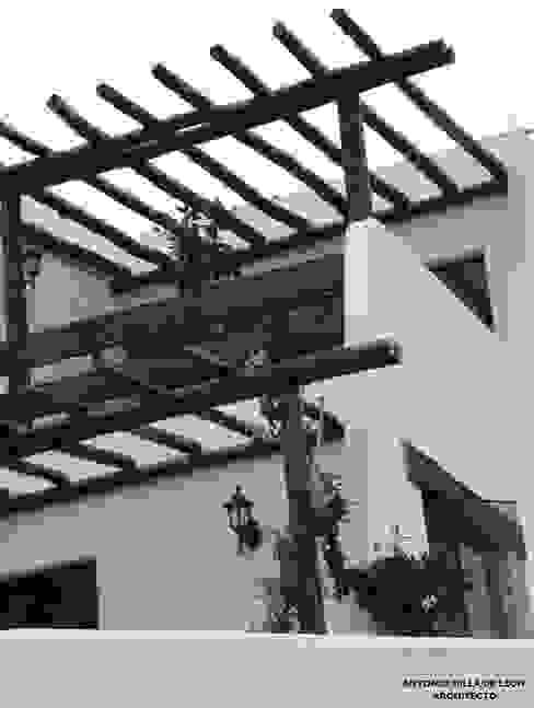 Hiên, sân thượng phong cách thực dân bởi Antonio Milla De León Arquitecto Thực dân
