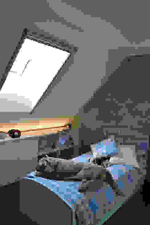 Appartamento Milano Naviglio Camera da letto moderna di DCA Studio - Davide Carelli Architetto Moderno