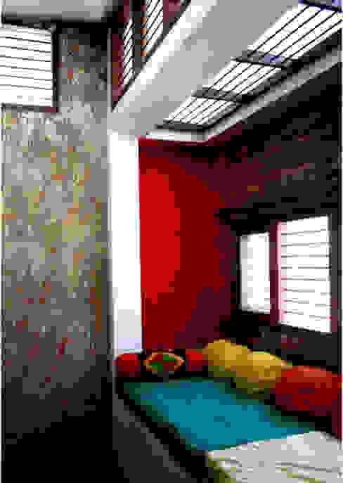Living Space Modern living room by BETWEENLINES Modern