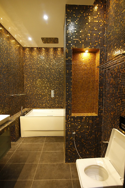 Residential interiors for Mr.Siraj at Chennai Minimalist bathroom by Offcentered Architects Minimalist