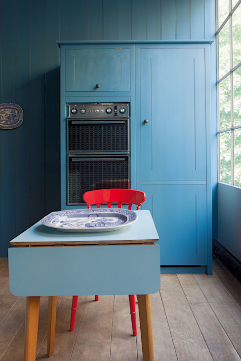 N1 Kitchen by British Standard British Standard by Plain English Cocinas de estilo clásico Madera Azul