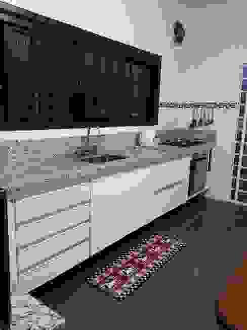 Cocinas modernas de Bruna Costa - Design de Interiores Moderno Tablero DM