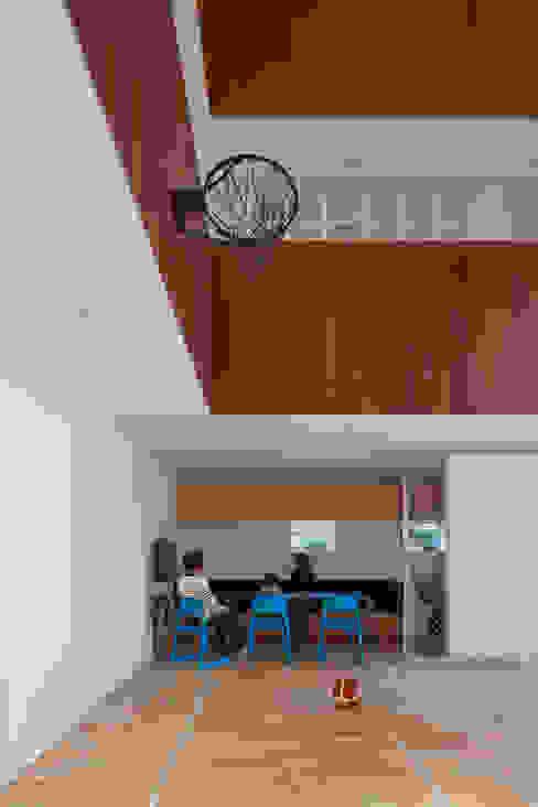 Minimalist dining room by 小泉設計室 Minimalist