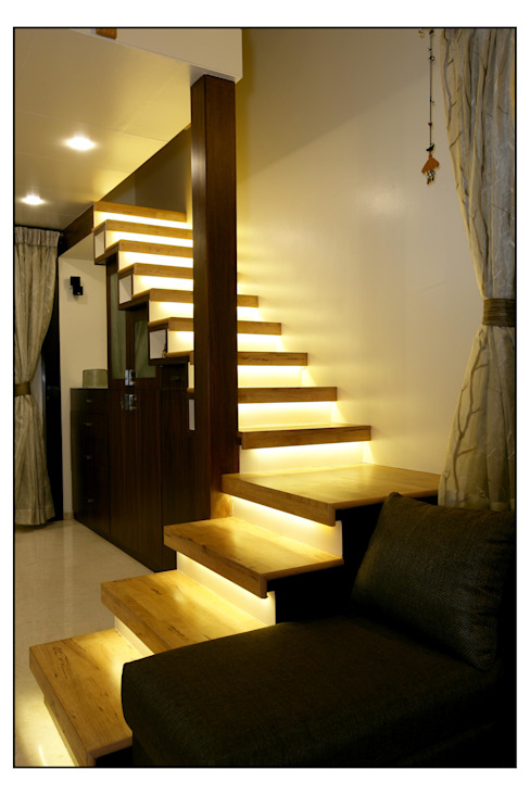 Residence For Captain Nikhil Kanetkar and Ashwini Kanetkar Modern corridor, hallway & stairs by Navmiti Designs Modern