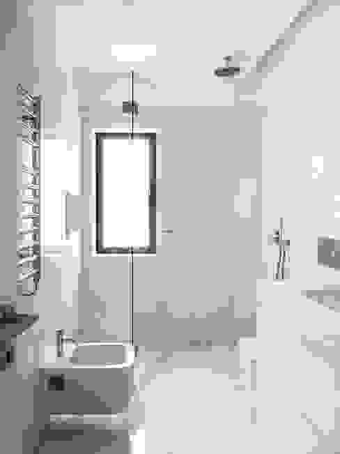 Casa Azevedo Coutinho Casas de banho minimalistas por Diana Vieira da Silva Arquitectura e Design Minimalista