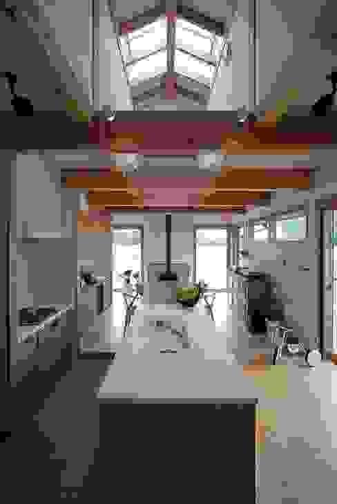 豊城の家 オリジナルデザインの キッチン の ATELIER N オリジナル