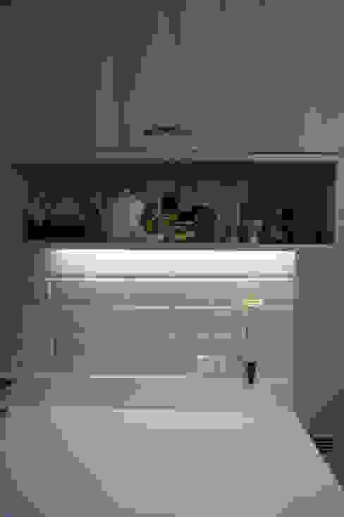 Modern Kitchen by KRAUSE CHAVARRI Modern