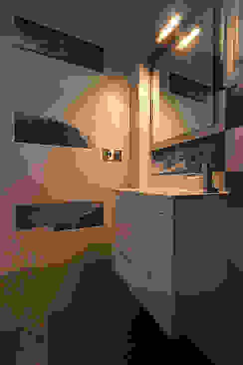 Baños de estilo moderno de Novodeco Moderno