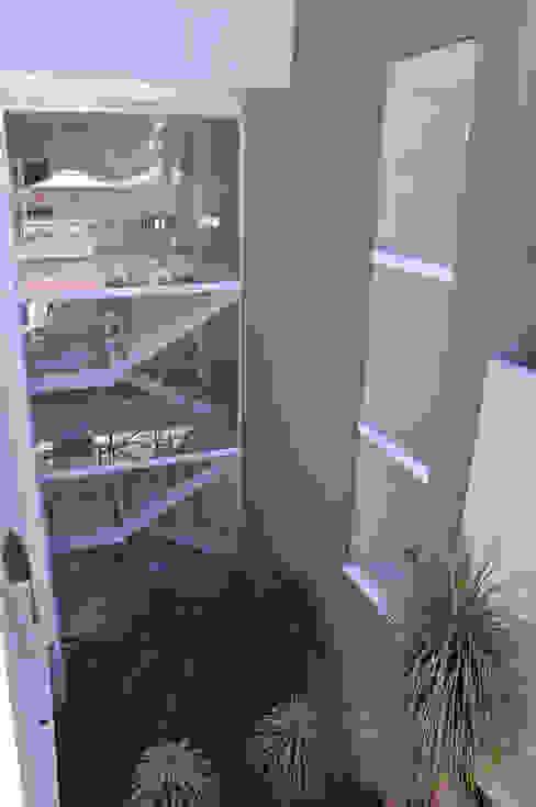 Escada Principal Casas modernas por A/ZERO Arquitetura Moderno