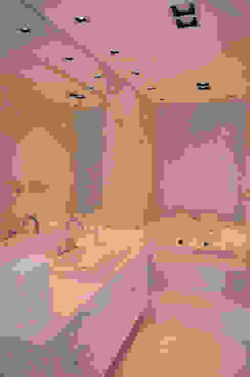 Banheiro Suíte Banheiros modernos por A/ZERO Arquitetura Moderno