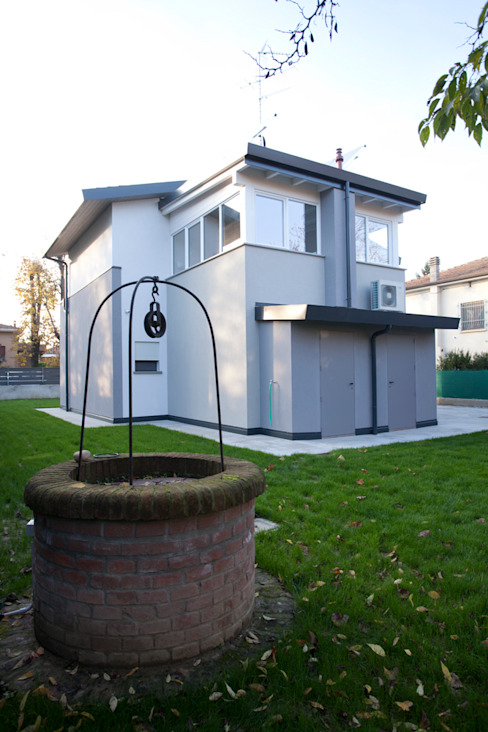 Minimalist house by CasaAttiva Minimalist
