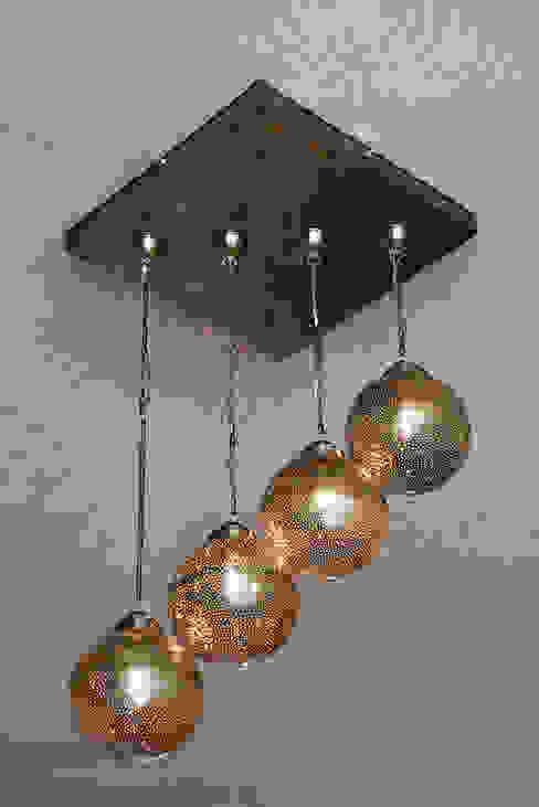 Lámpara colgante en bronce artesanal de homify Mediterráneo Cobre/Bronce/Latón
