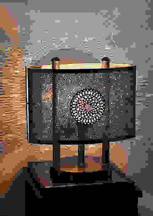 Lámpara para mesa de noche de homify Mediterráneo Cobre/Bronce/Latón