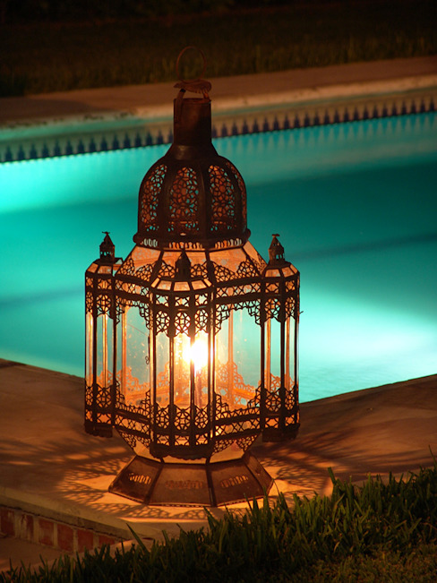 Arabic lamp for garden homify 花園照明 鐵/鋼 Black
