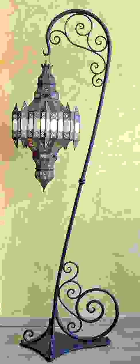 غرفة المعيشة تنفيذ Decoración Andalusí Iluminación,