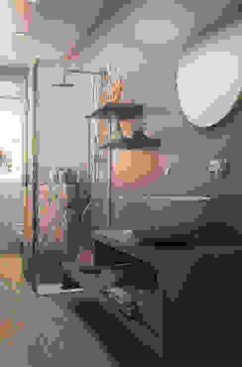 Baños de estilo  por MyArchitect,