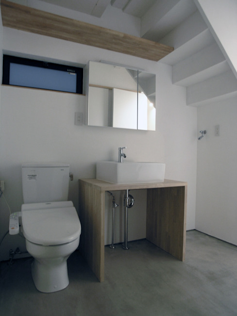Bathroom by 荘司建築設計室, Modern