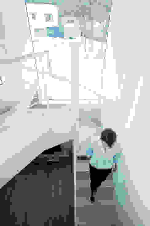 階段-3 ミニマルスタイルの 玄関&廊下&階段 の 一級建築士事務所 Atelier Casa ミニマル 鉄/鋼