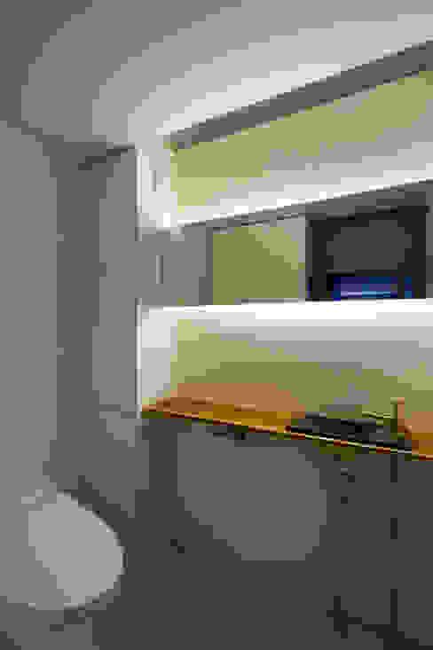 미니멀리스트 욕실 by 一級建築士事務所 Atelier Casa 미니멀 솔리드 우드 멀티 컬러