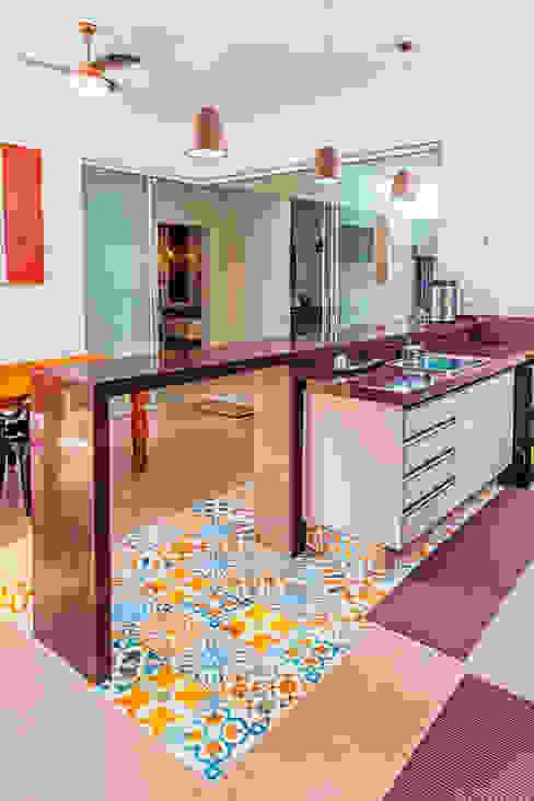 Varandas, marquises e terraços modernos por ADRIANA MELLO ARQUITETURA Moderno