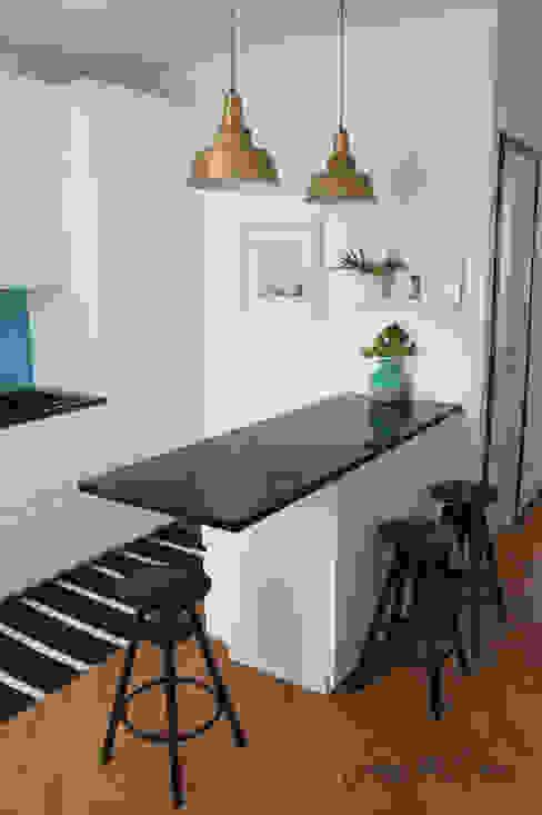 KITCHEN RENOVATION - project cool flat Cocinas modernas: Ideas, imágenes y decoración de Severine Piller Design LLC Moderno
