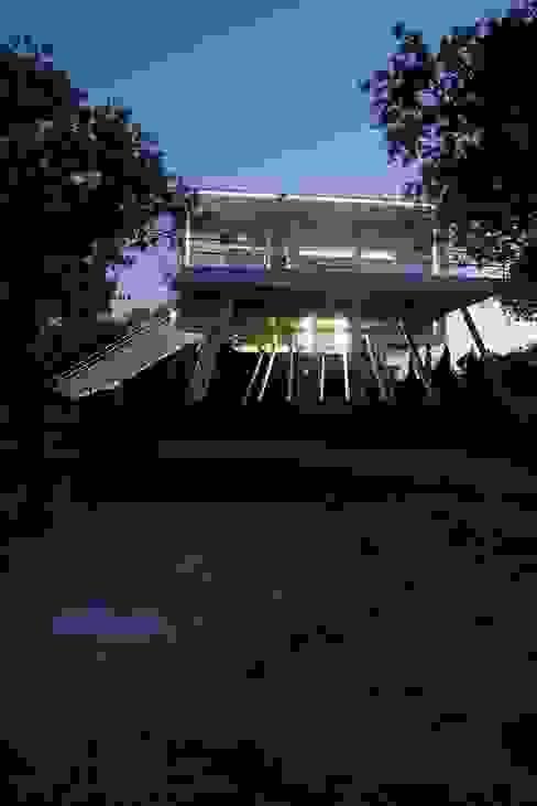 Casas modernas: Ideas, imágenes y decoración de NOEM Moderno
