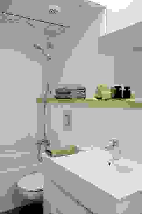 Ванные комнаты в . Автор – NOEM,