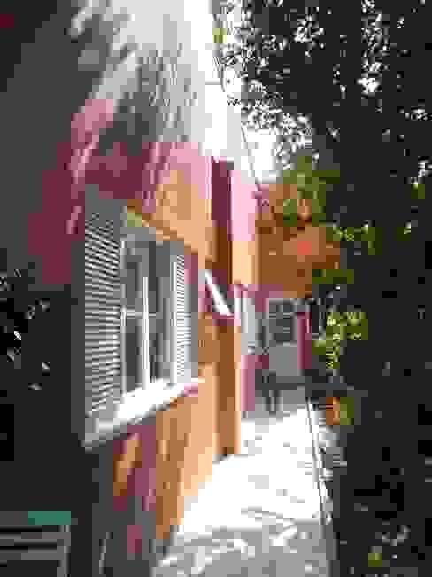 Casas de estilo moderno de Margareth Salles Moderno