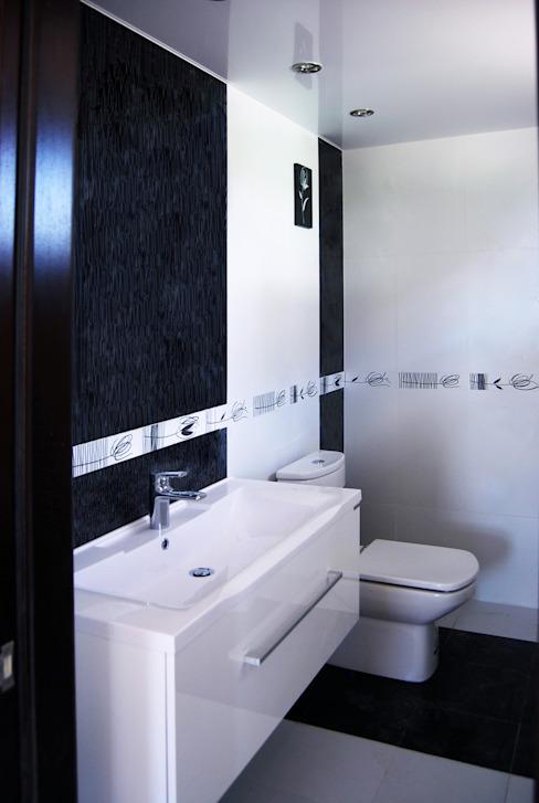 Modern bathroom by Студия архитектуры и дизайна Вояджи Дарьи Modern