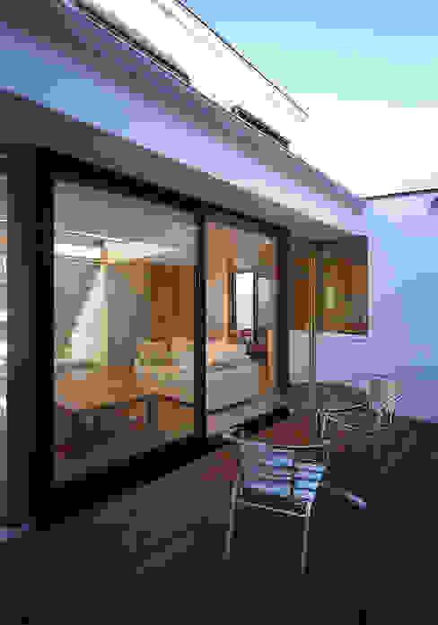 フラットハウス Modern Terrace by 株式会社横山浩介建築設計事務所 Modern