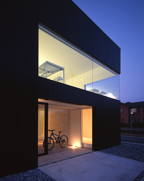 印旛のスタジオ ミニマルな 家 の SHSTT ミニマル 金属