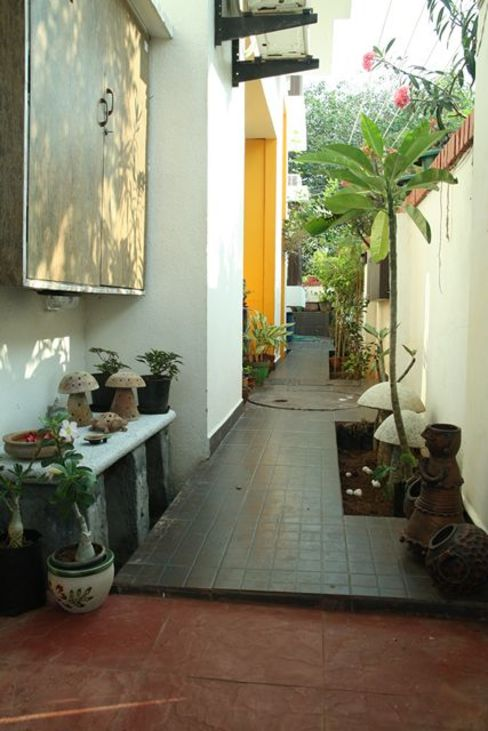 Passage Modern garden by Ansari Architects Modern