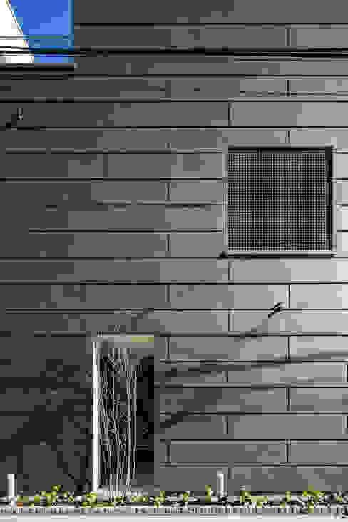 室内化したテラスを持つ家 モダンな 家 の 設計事務所アーキプレイス モダン