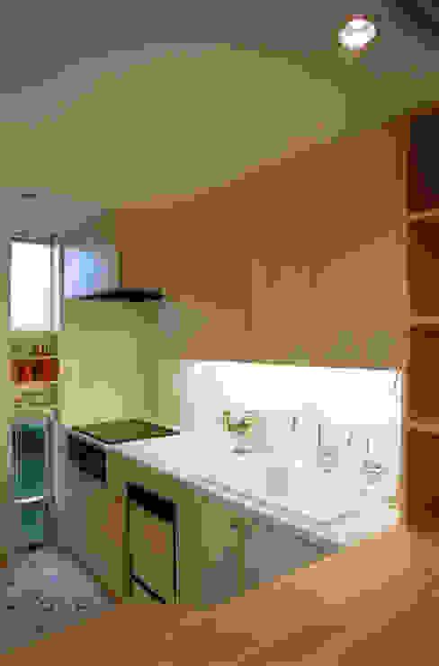 静岡の家 case001 モダンな キッチン の 岩川アトリエ モダン