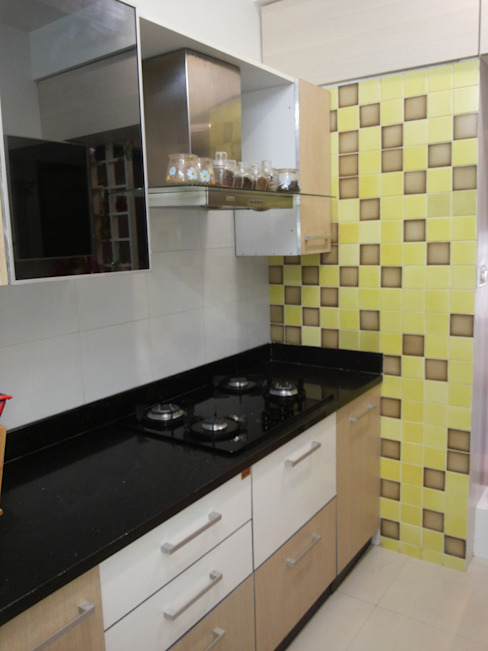 DB WOODS , GOREGAON J SQUARE - Architectural Studio KitchenCabinets & shelves