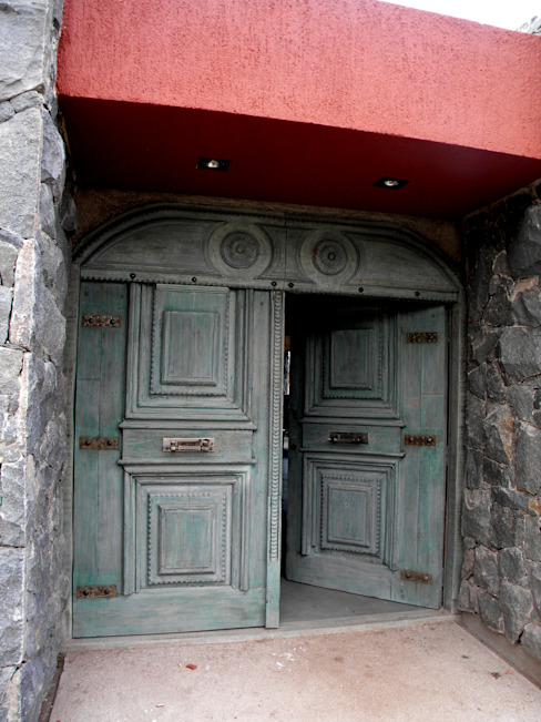 VETA & DISEÑO Industrial windows & doors Solid Wood Green