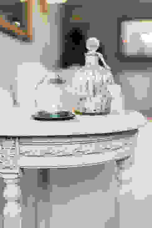 French Shabby Chic Living Room Salas modernas de Katie Malik Interiors Moderno