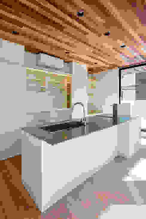 設計事務所アーキプレイス Cocinas de estilo moderno