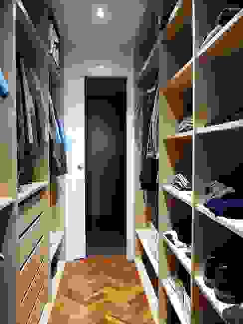 Reforma integral de piso en barrio de la Paz Vestidores de estilo moderno de Reformmia Moderno