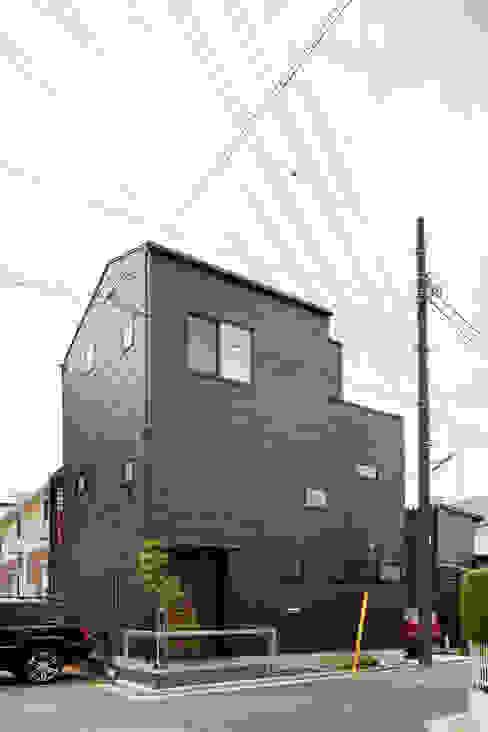 カフェのある家 設計事務所アーキプレイス モダンな 家 アルミニウム/亜鉛 ブラウン