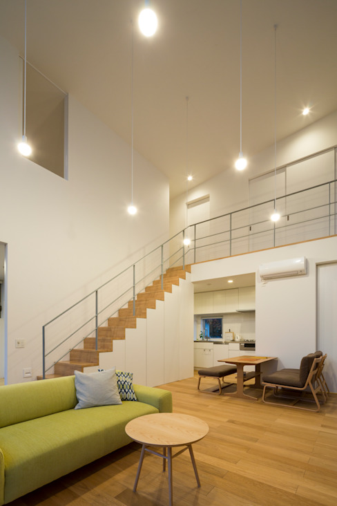 Moderne woonkamers van Studio R1 Architects Office Modern