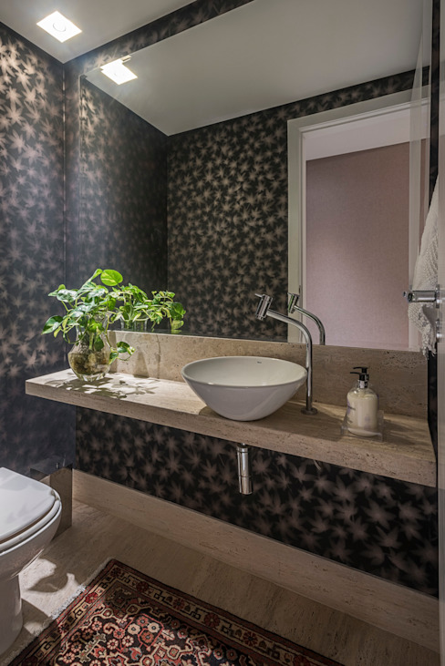 Baños modernos de Gislene Soeiro Arquitetura e Interiores Moderno