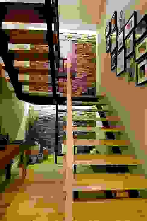 modern  by Plano Mimarlık ve Teknoloji, Modern Wood Wood effect